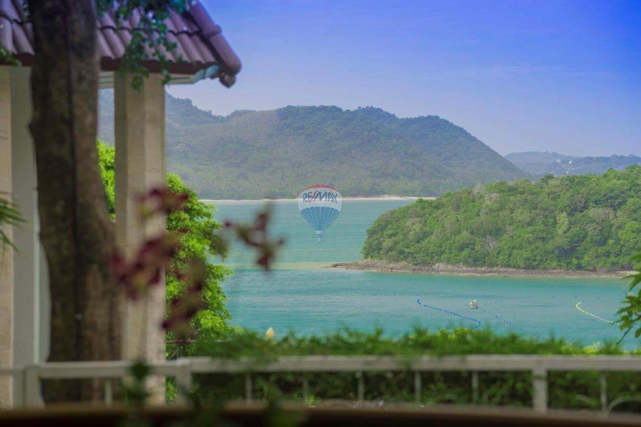 RE/MAX Top Properties Agency's Phuket Panwa beach luxury villas 5 Br.for rent 20