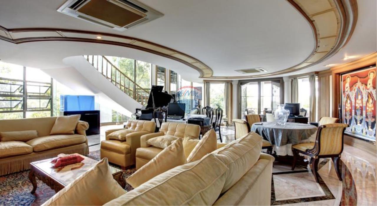 RE/MAX Top Properties Agency's Phuket Panwa beach luxury villas 5 Br.for rent 5