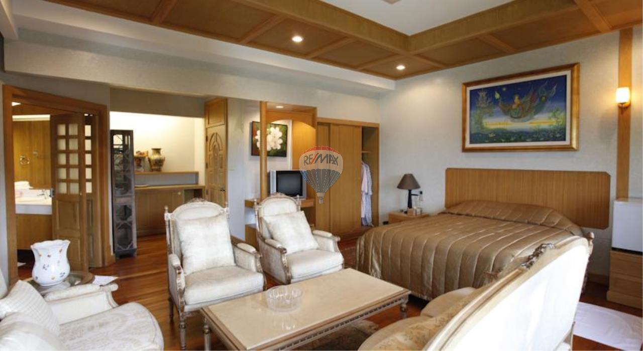 RE/MAX Top Properties Agency's Phuket Panwa beach luxury villas 5 Br.for rent 6