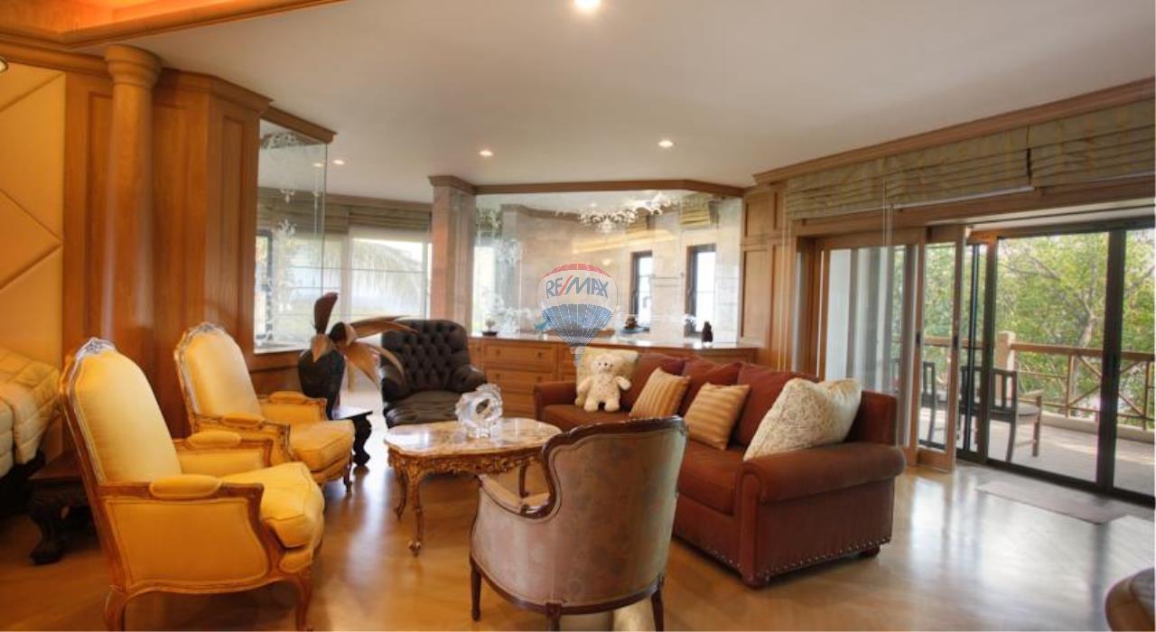 RE/MAX Top Properties Agency's Phuket Panwa beach luxury villas 5 Br.for rent 7