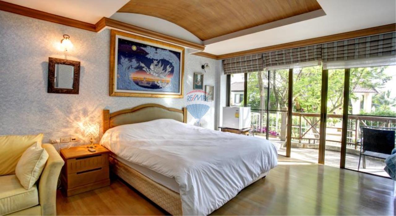 RE/MAX Top Properties Agency's Phuket Panwa beach luxury villas 5 Br.for rent 9
