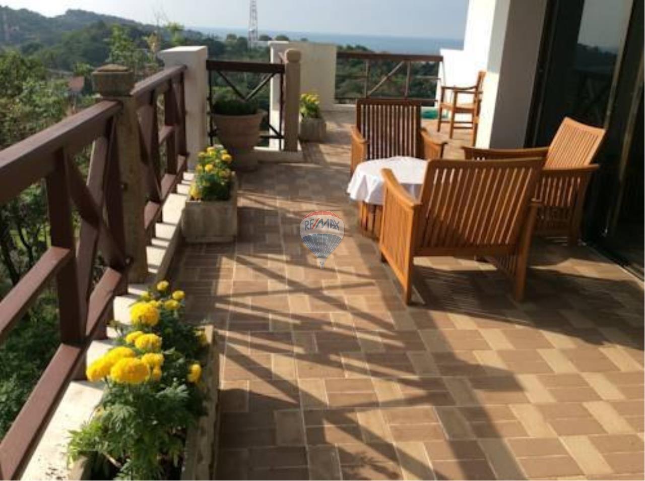 RE/MAX Top Properties Agency's Phuket Panwa beach luxury villas 5 Br.for rent 18