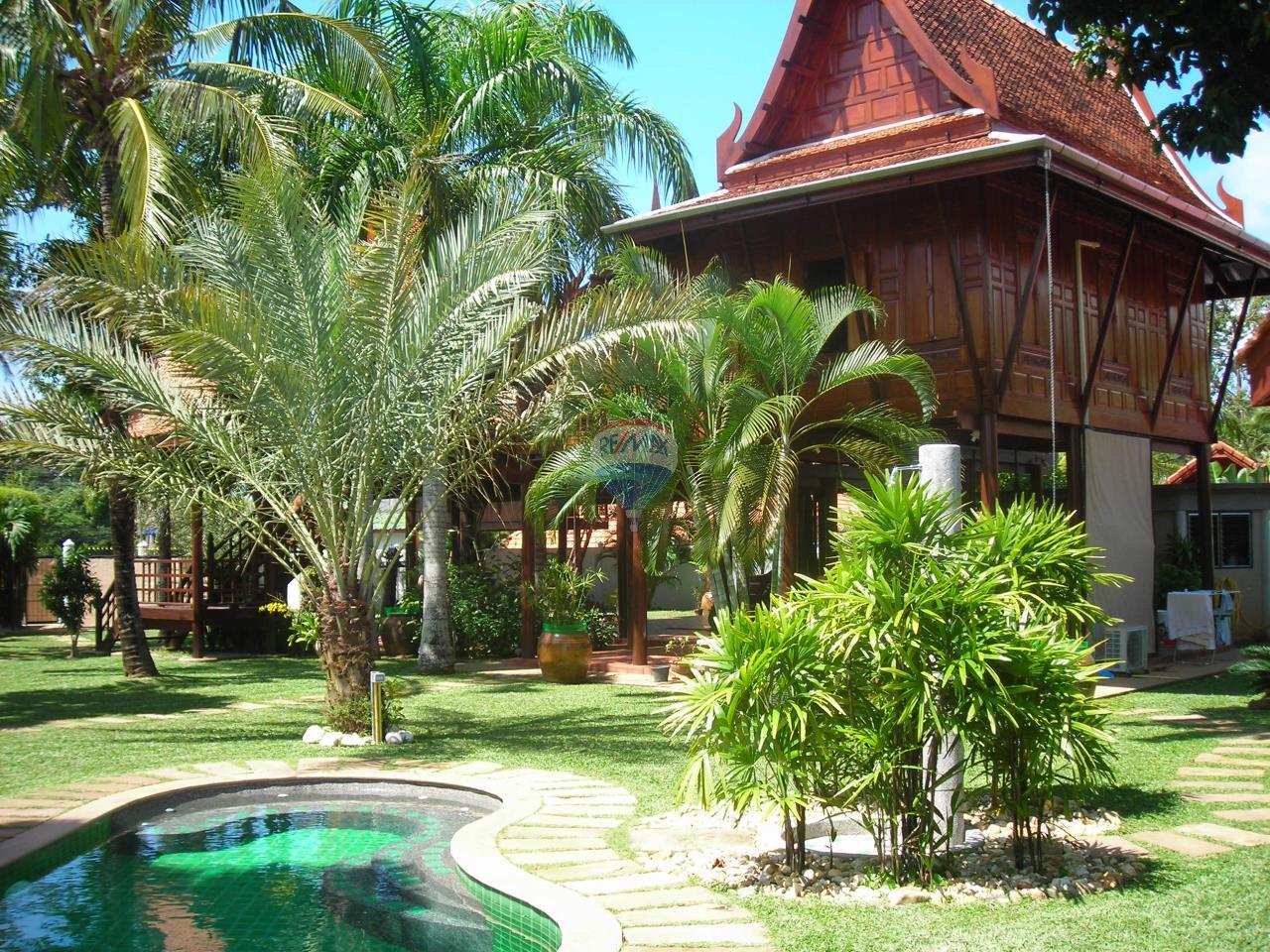 RE/MAX Top Properties Agency's PHUKET - STUNNING UNIQUE THAI SPIRIT AYUTTHAYA STYLE VILLA 3