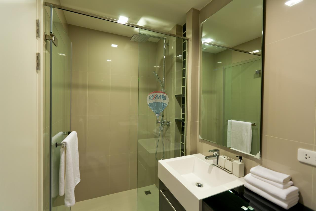 RE/MAX Top Properties Agency's Patong beach studio room for rent 11