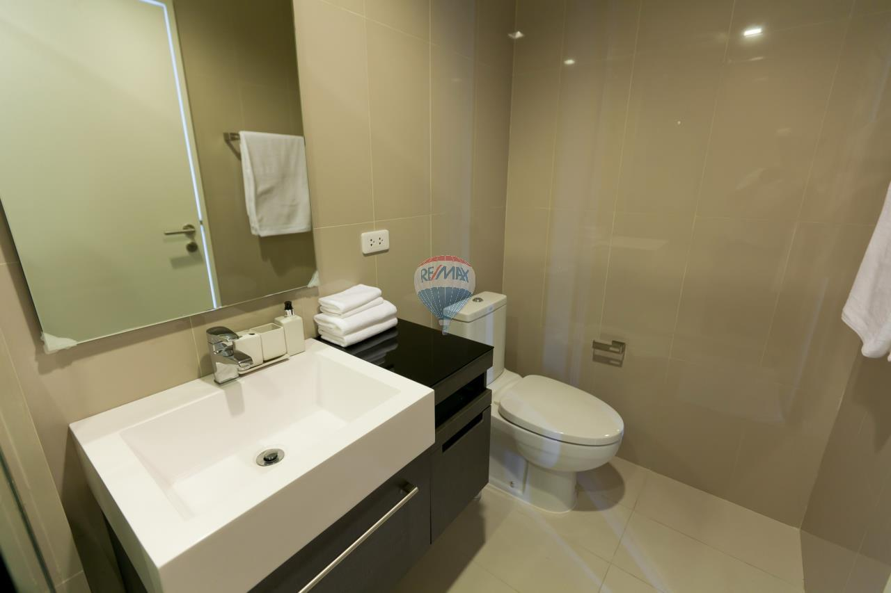 RE/MAX Top Properties Agency's Patong beach studio room for rent 12