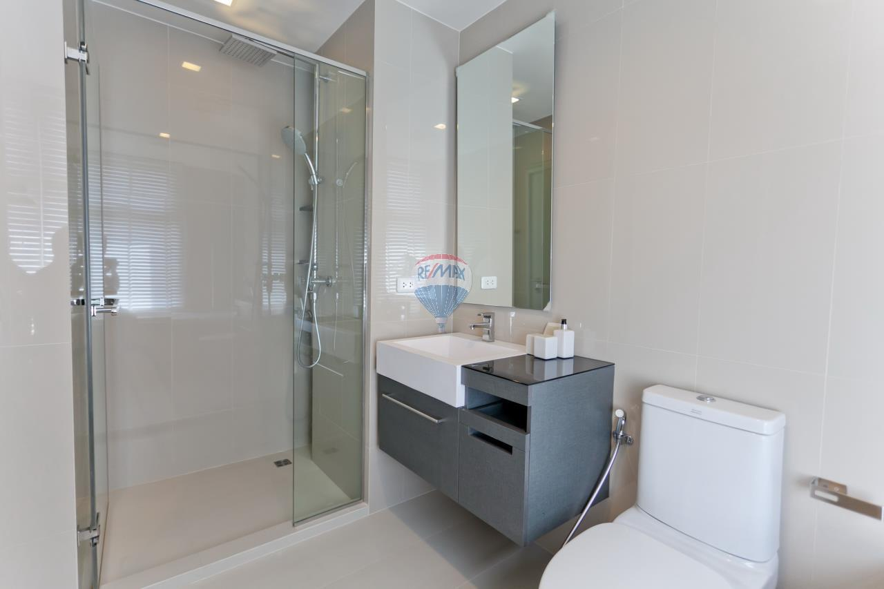 RE/MAX Top Properties Agency's Patong beach 2Br. condo for rent 4
