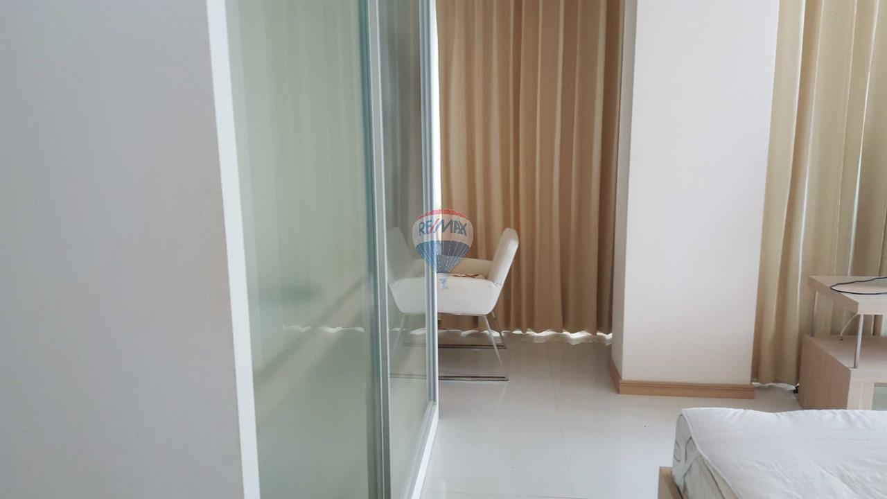 RE/MAX Top Properties Agency's Condo 75 sq.meters in Kalim Patong 2