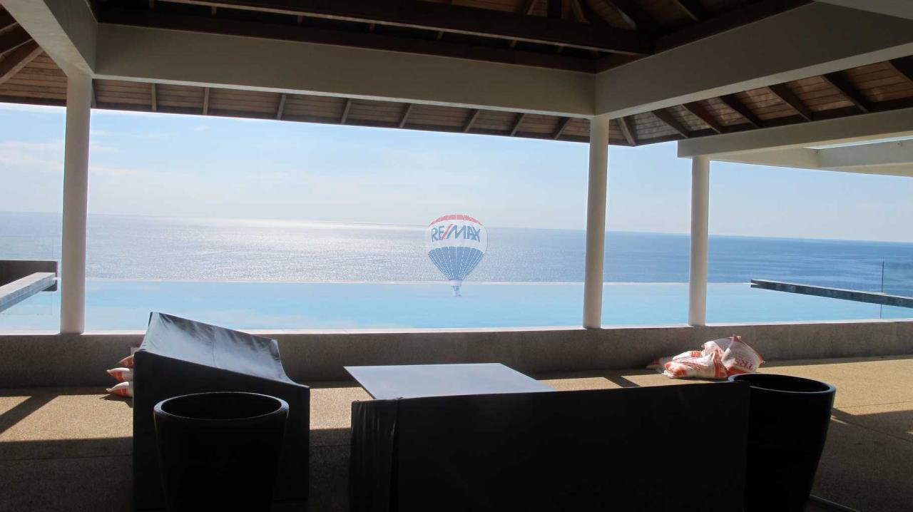 RE/MAX Top Properties Agency's Exclusive Luxury Villa with pure 180' Ocean Front View 43