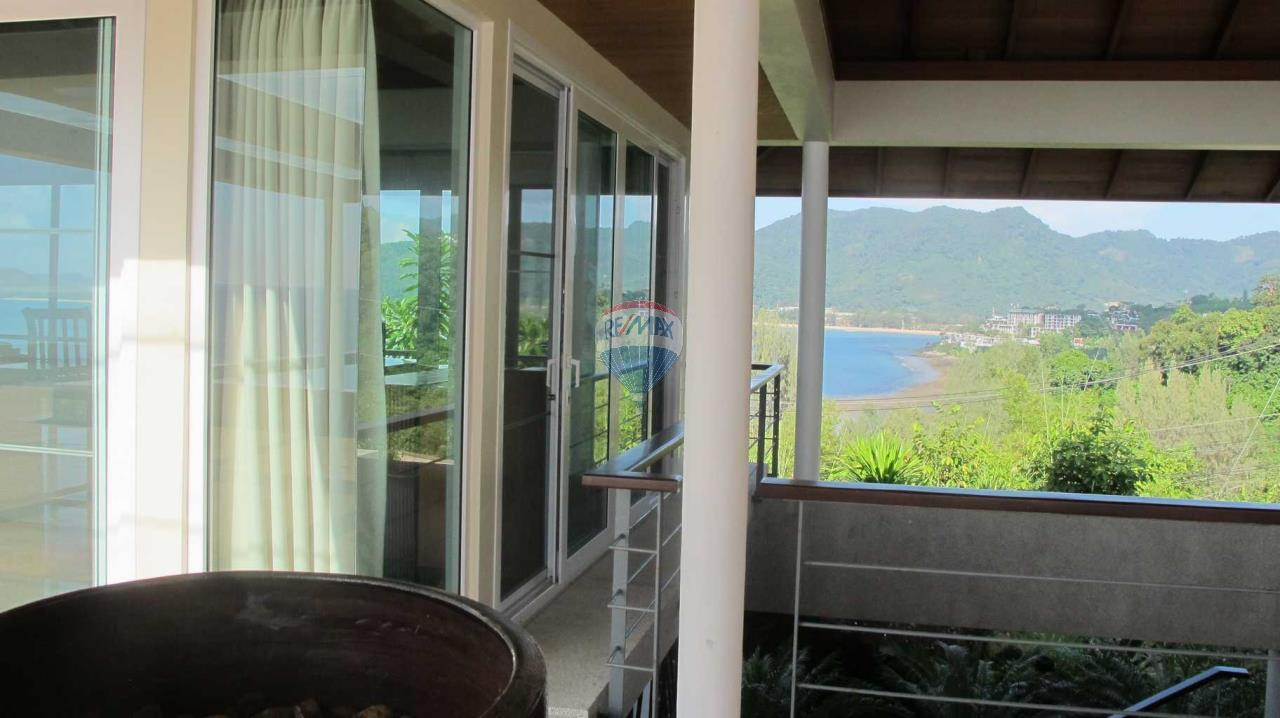 RE/MAX Top Properties Agency's Exclusive Luxury Villa with pure 180' Ocean Front View 46