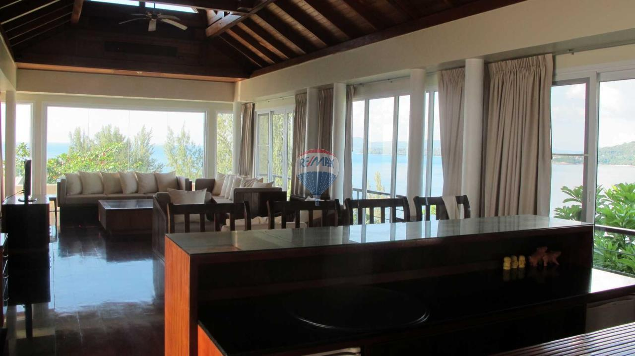 RE/MAX Top Properties Agency's Exclusive Luxury Villa with pure 180' Ocean Front View 71