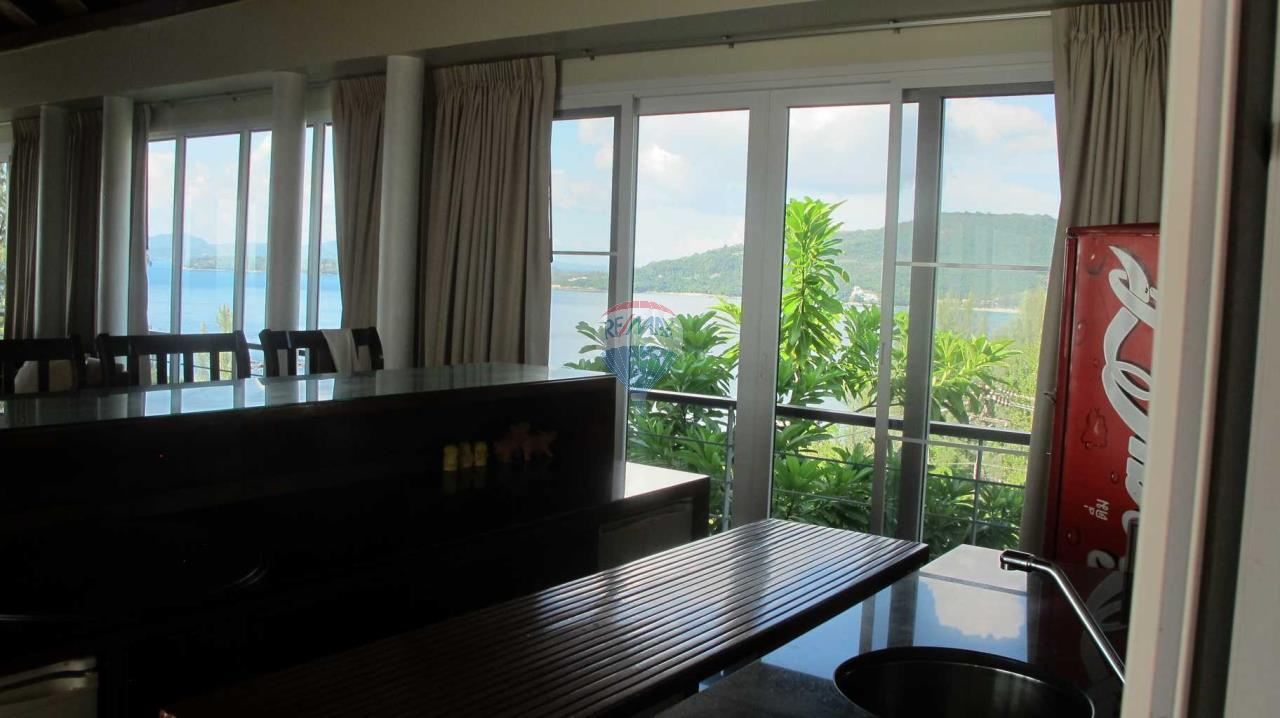 RE/MAX Top Properties Agency's Exclusive Luxury Villa with pure 180' Ocean Front View 72