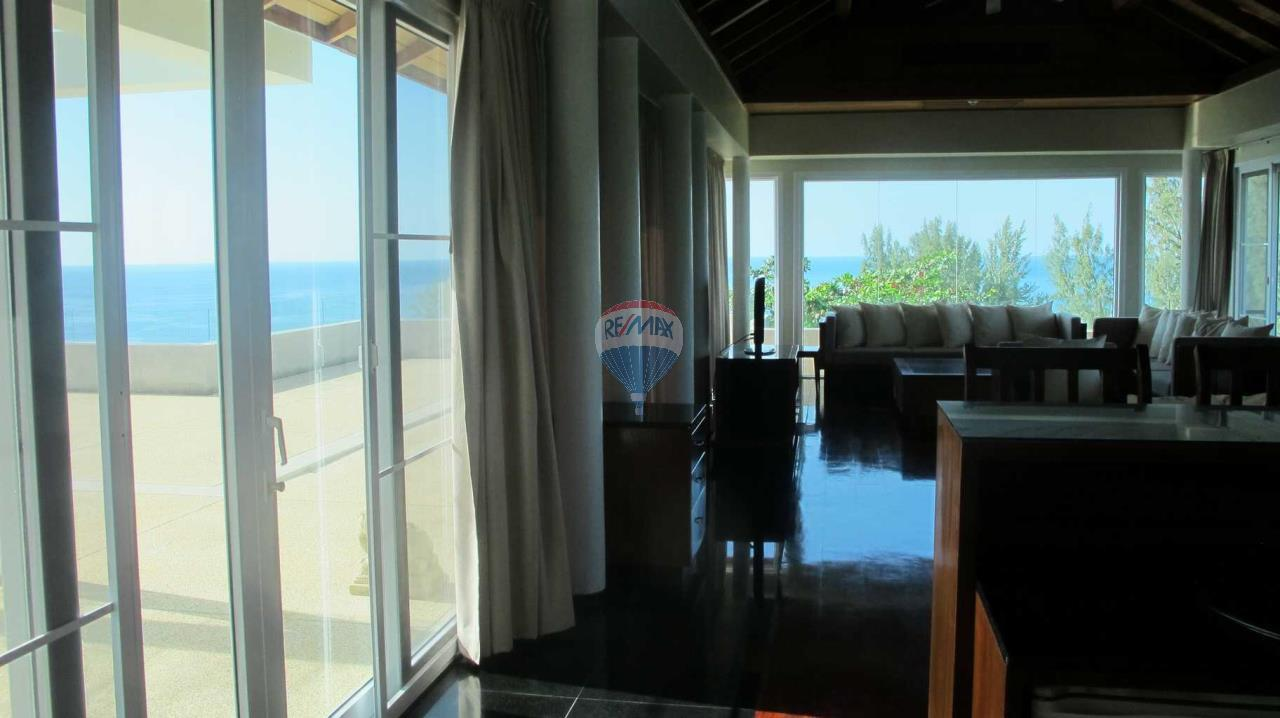 RE/MAX Top Properties Agency's Exclusive Luxury Villa with pure 180' Ocean Front View 73