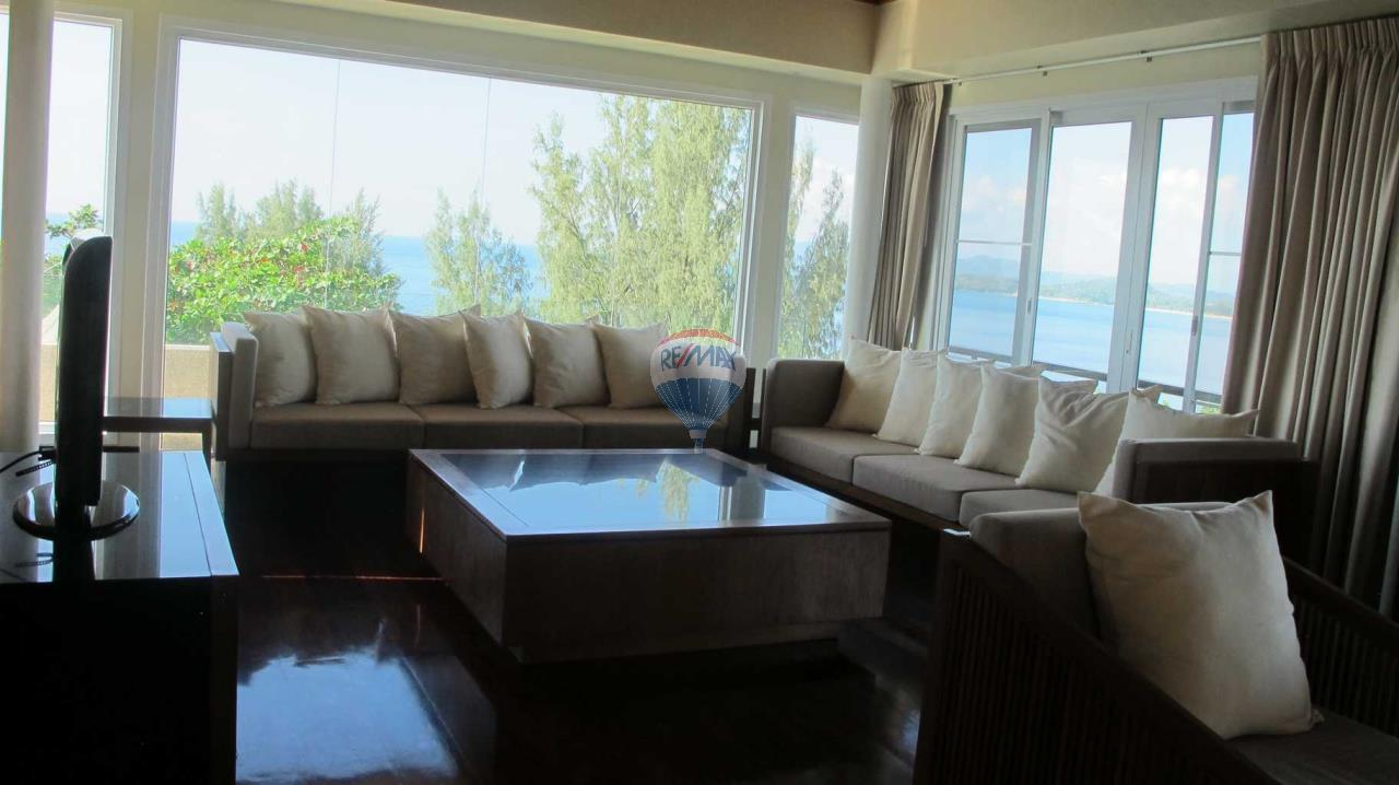 RE/MAX Top Properties Agency's Exclusive Luxury Villa with pure 180' Ocean Front View 76