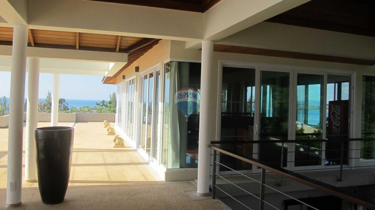 RE/MAX Top Properties Agency's Exclusive Luxury Villa with pure 180' Ocean Front View 80
