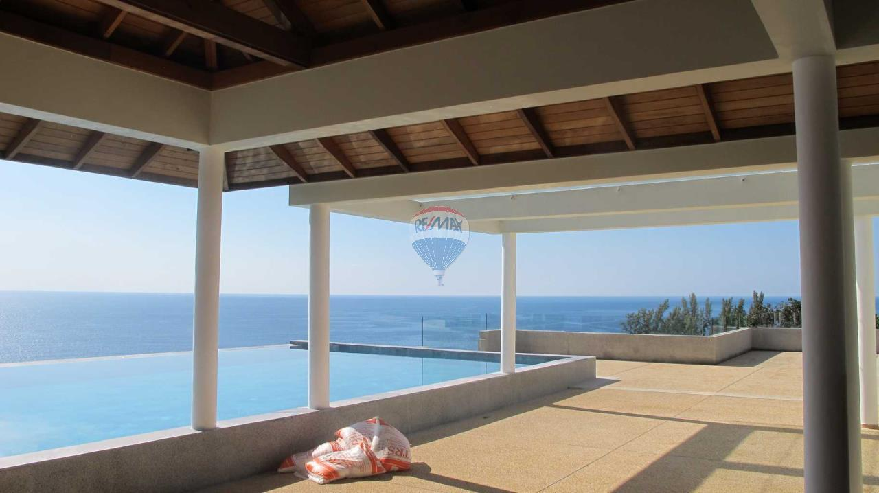RE/MAX Top Properties Agency's Exclusive Luxury Villa with pure 180' Ocean Front View 87