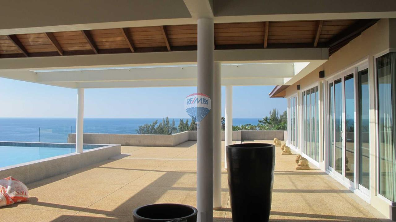 RE/MAX Top Properties Agency's Exclusive Luxury Villa with pure 180' Ocean Front View 88