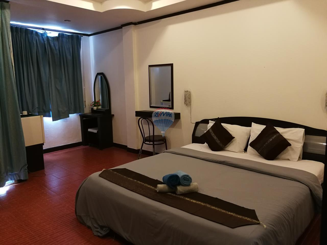 RE/MAX Top Properties Agency's *REDUCED* Patong - Guesthouse with bar and kitchen - Great Location 7