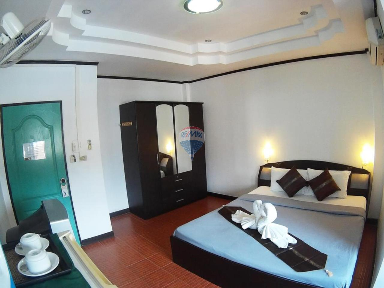 RE/MAX Top Properties Agency's *REDUCED* Patong - Guesthouse with bar and kitchen - Great Location 10