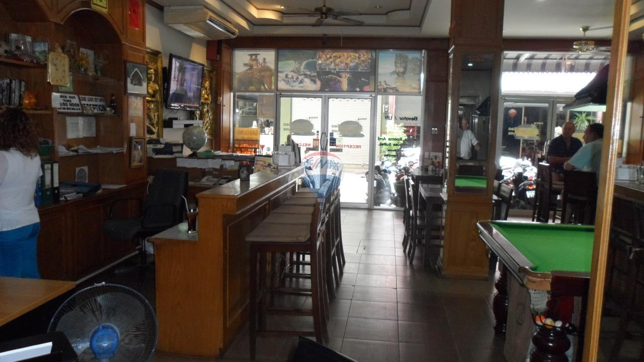RE/MAX Top Properties Agency's Patong - 15 Rooms Guesthouse - Great Location 4