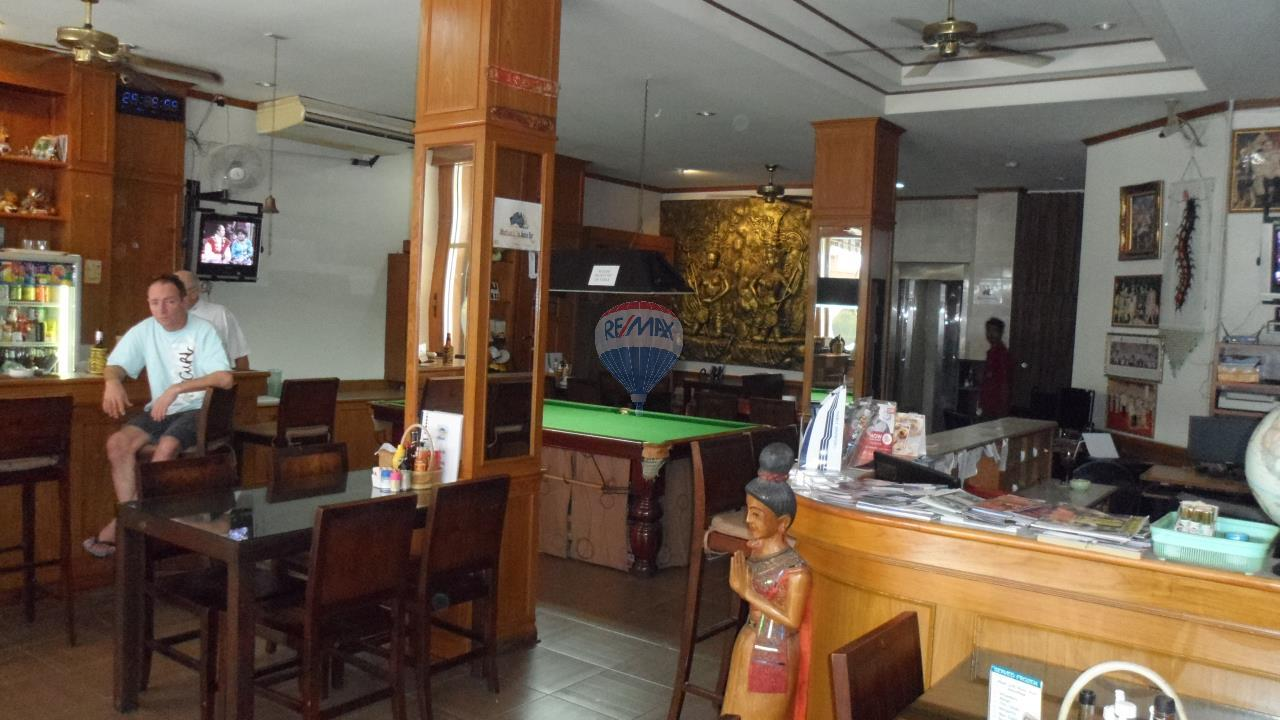 RE/MAX Top Properties Agency's Patong - 15 Rooms Guesthouse - Great Location 3