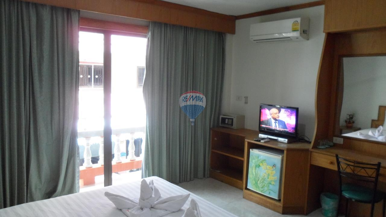RE/MAX Top Properties Agency's Patong - 15 Rooms Guesthouse - Great Location 10