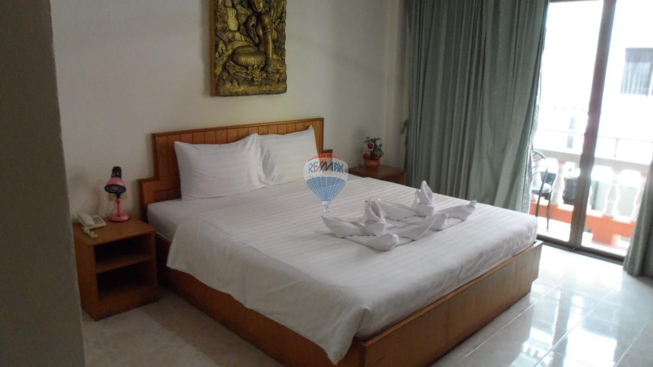 RE/MAX Top Properties Agency's Patong - 15 Rooms Guesthouse - Great Location 18