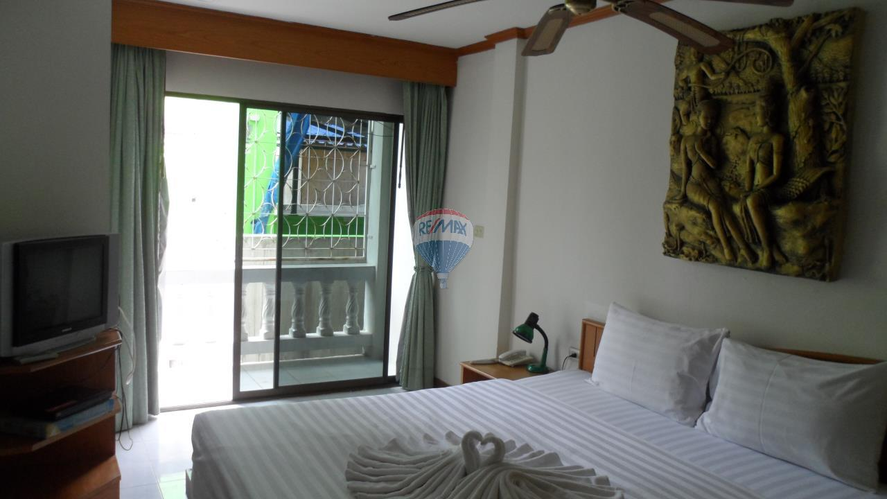 RE/MAX Top Properties Agency's Patong - 15 Rooms Guesthouse - Great Location 12