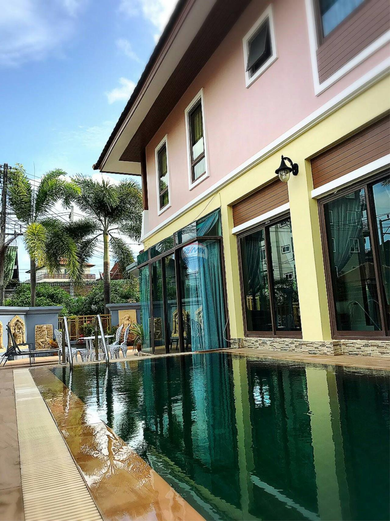 RE/MAX Top Properties Agency's Phuket,Patong Beach Pool Villa 3 Bedrooms For Rent 2