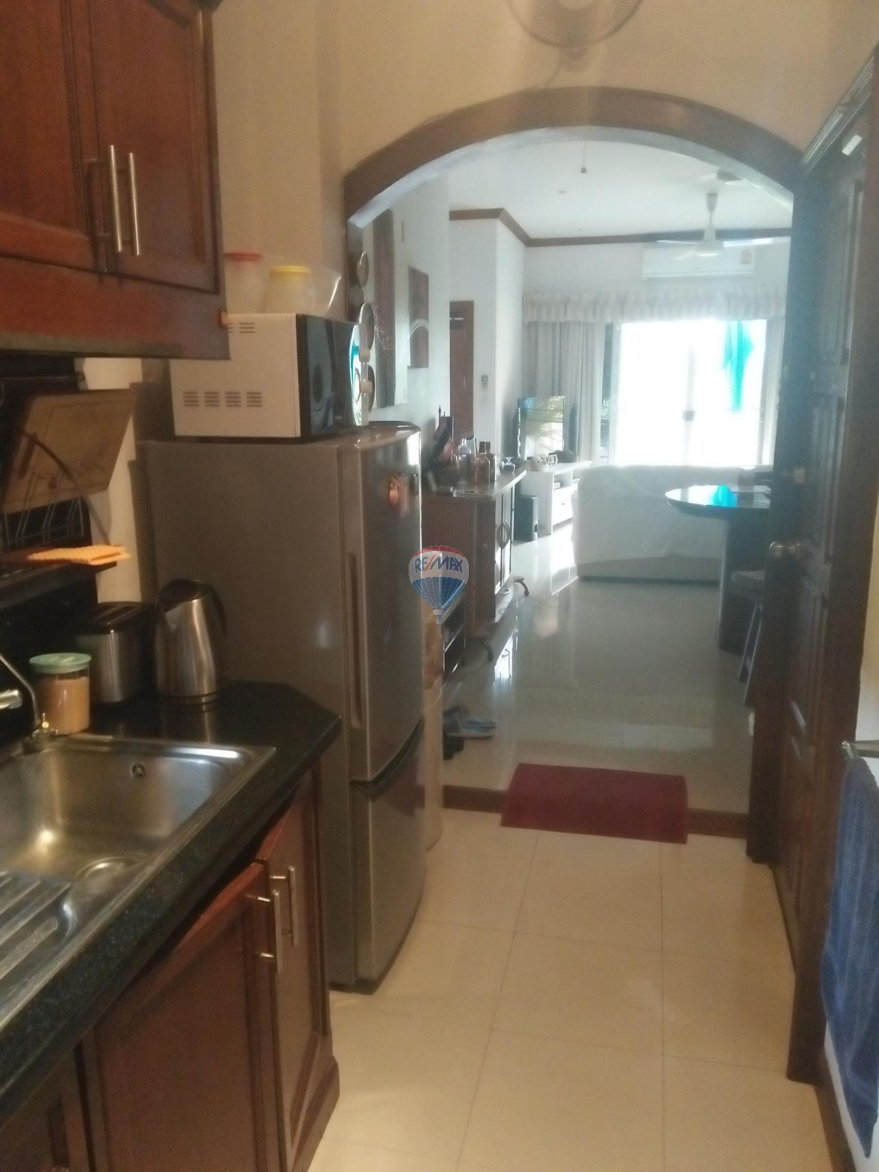 RE/MAX Top Properties Agency's Phuket,Patong Beach, 2 Bedrooms Condo For Rent 10