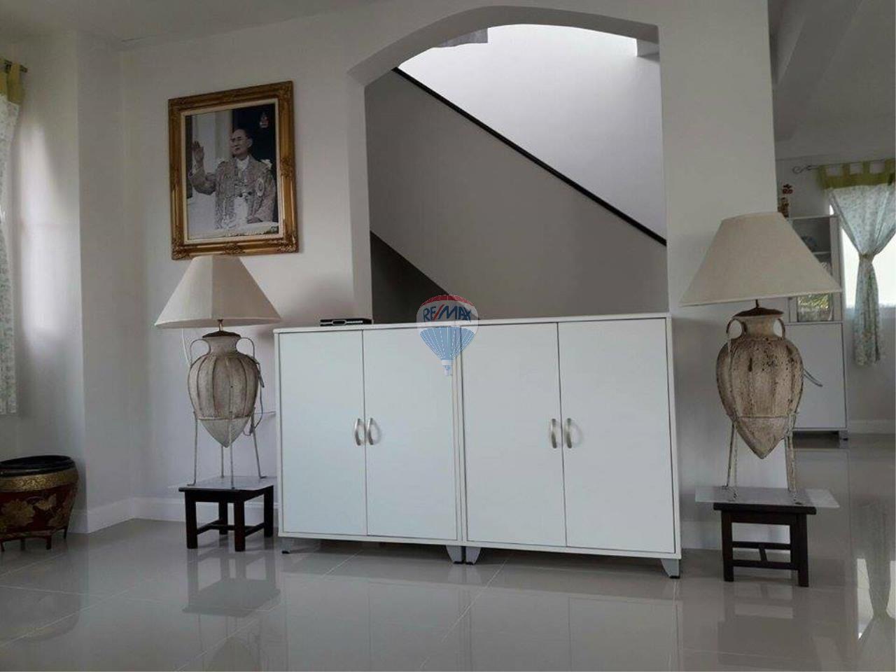 RE/MAX Top Properties Agency's Phuket Thalang Villa 3Br for Sale 7