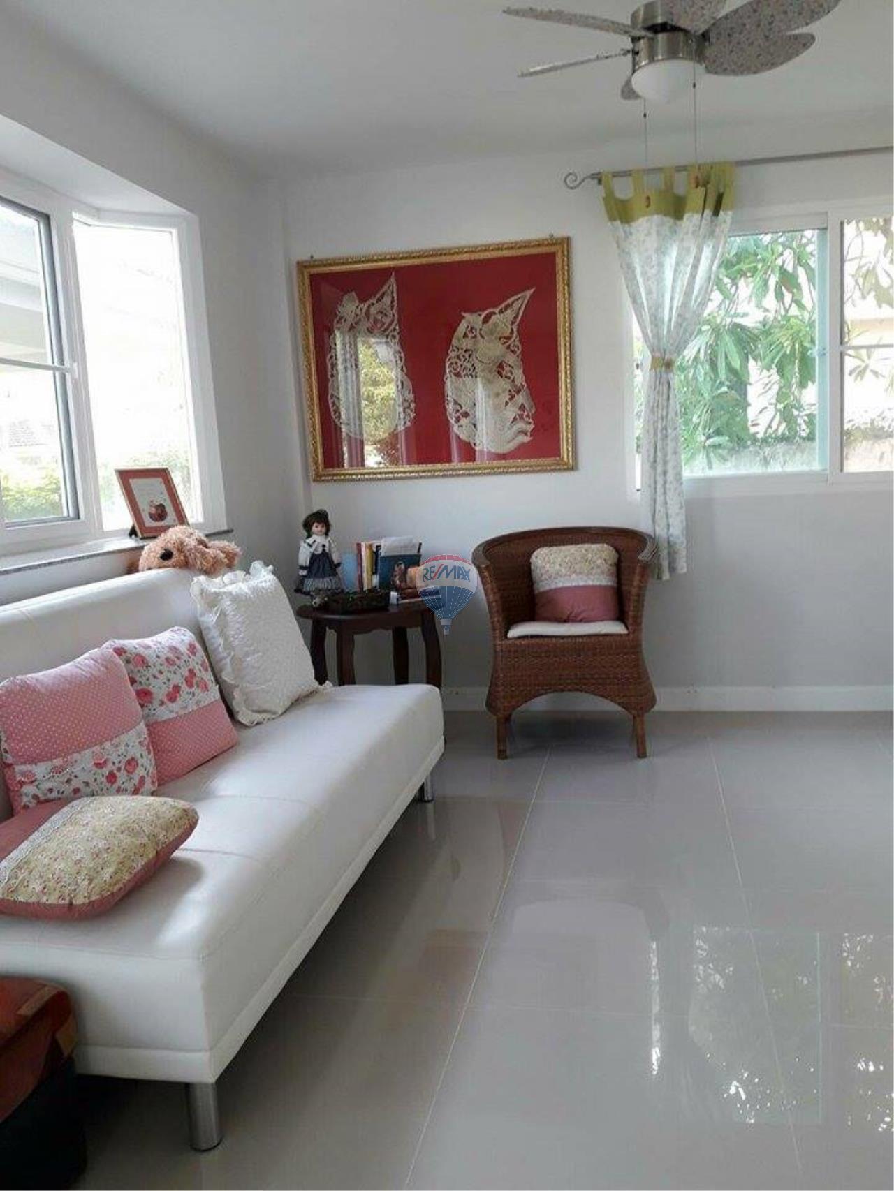 RE/MAX Top Properties Agency's Phuket Thalang Villa 3Br for Sale 8