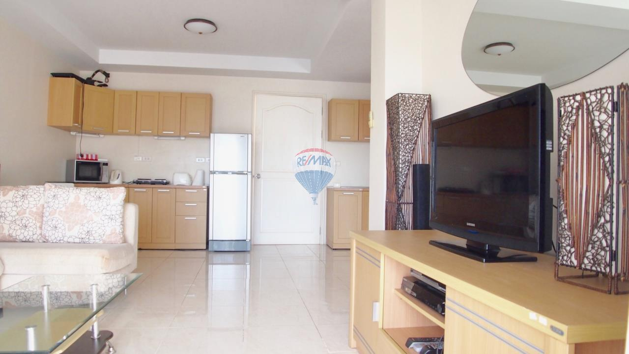RE/MAX Top Properties Agency's Phuket,Patong Beach 1 Bedroom Condo For Rent 8