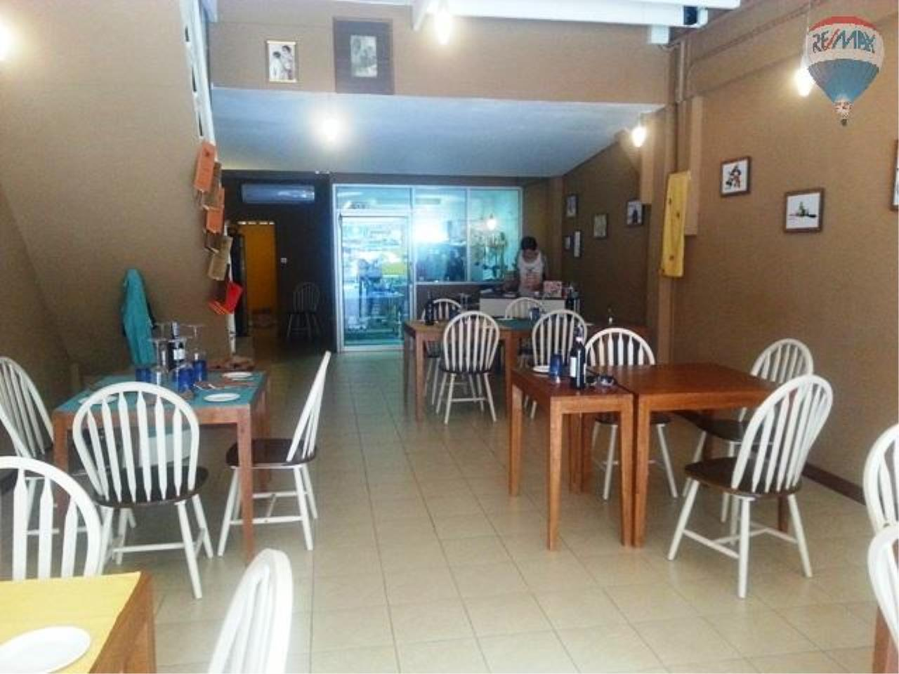 RE/MAX Top Properties Agency's Lo Zammi Restaurant For Sale Phuket Town 2