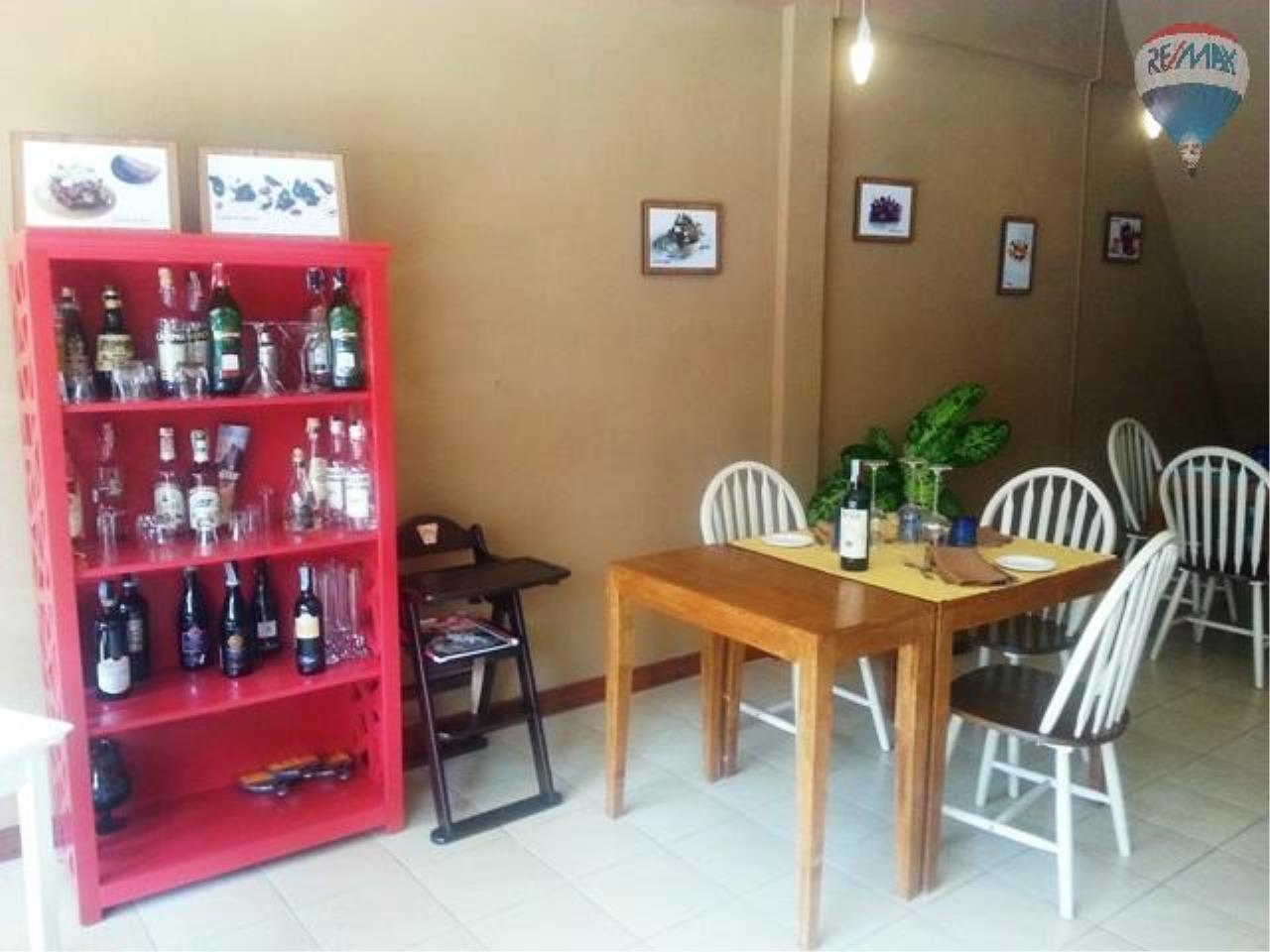 RE/MAX Top Properties Agency's Lo Zammi Restaurant For Sale Phuket Town 5