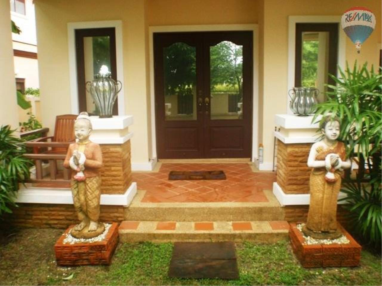 RE/MAX Top Properties Agency's Balinese Style Villa For Sale Thalang  2