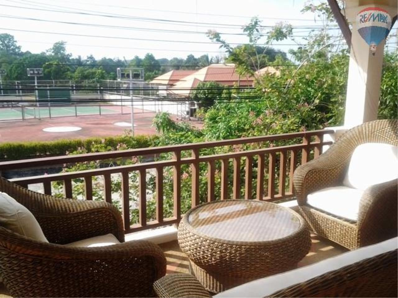 RE/MAX Top Properties Agency's Balinese Style Villa For Sale Thalang  7