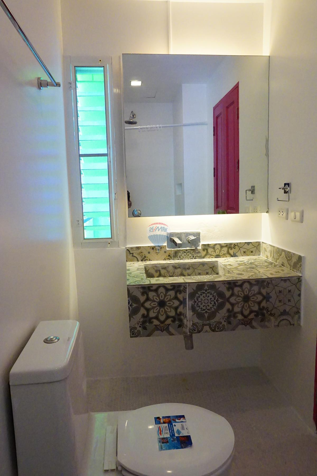 RE/MAX Top Properties Agency's **SOLD**  Patong nice guest house 21