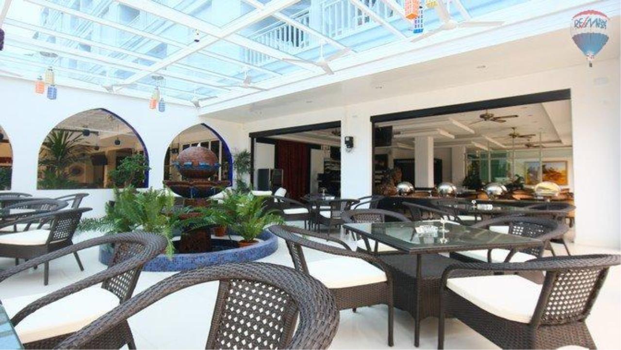 RE/MAX Top Properties Agency's shisha bar loung for sale at Patong 2