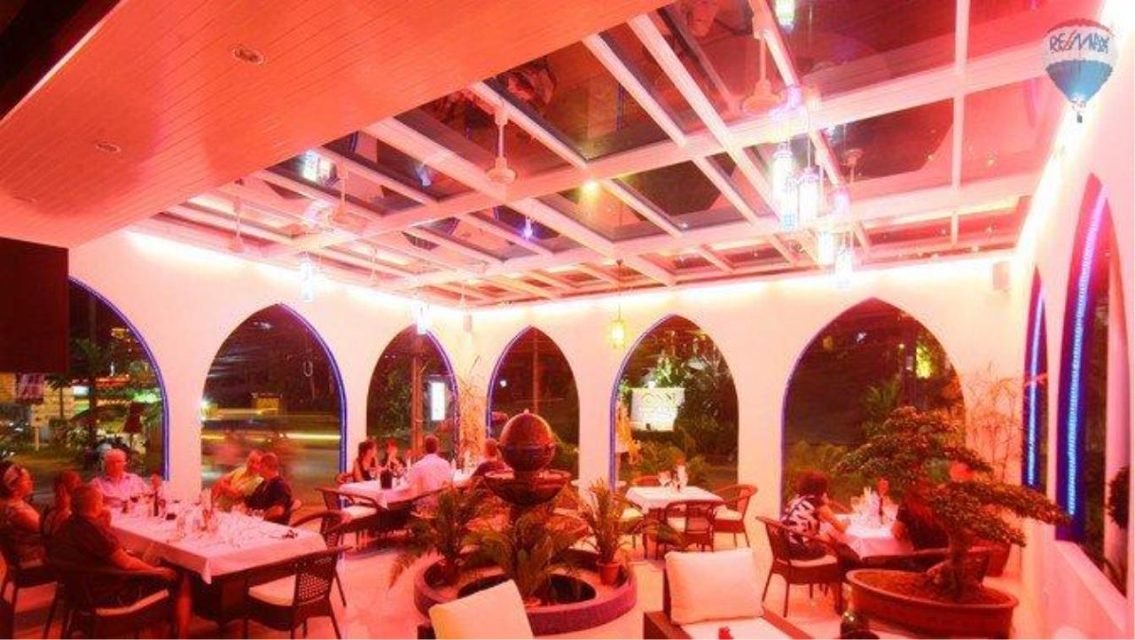 RE/MAX Top Properties Agency's shisha bar loung for sale at Patong 5