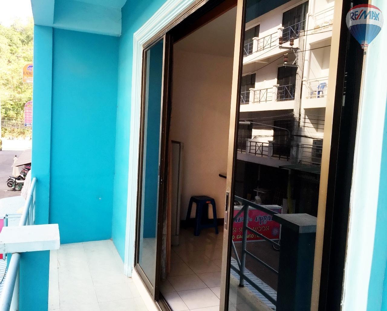 RE/MAX Top Properties Agency's Suyamsak Apartment  10