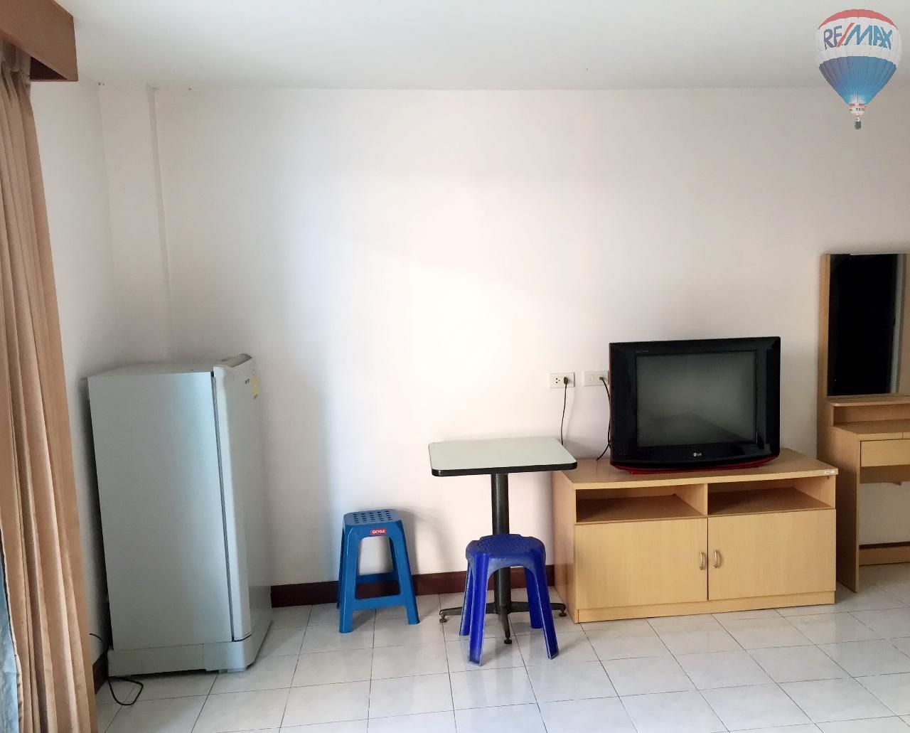RE/MAX Top Properties Agency's Suyamsak Apartment  11