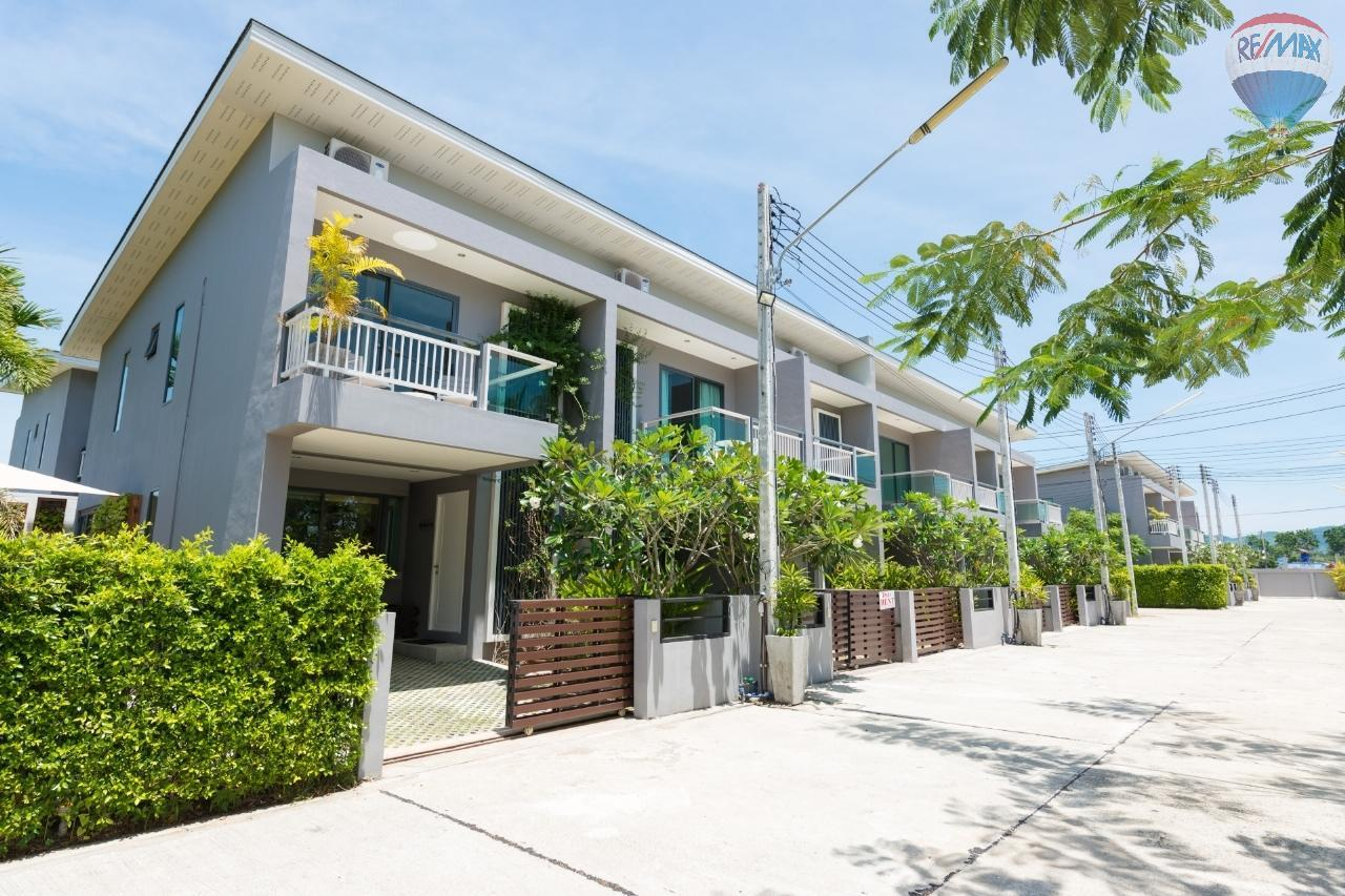 RE/MAX Top Properties Agency's 3 Townhouses 2-3 bedrooms for sale at Ban Don 1