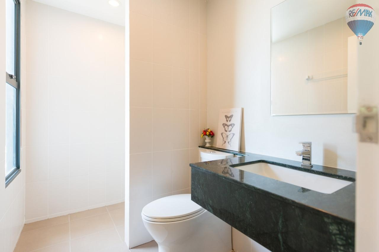 RE/MAX Top Properties Agency's 3 Townhouses 2-3 bedrooms for sale at Ban Don 10