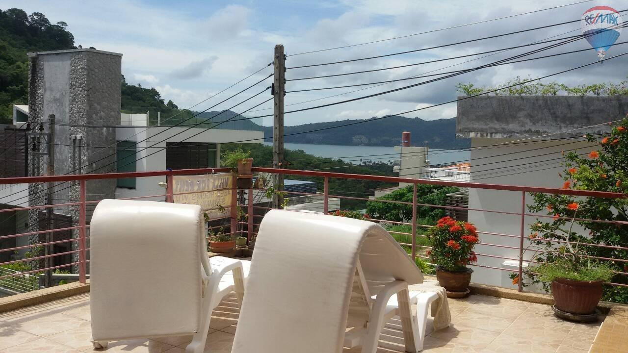RE/MAX Top Properties Agency's 4 Bedrooms House Nearby Elephant Camp Patong Beach 12