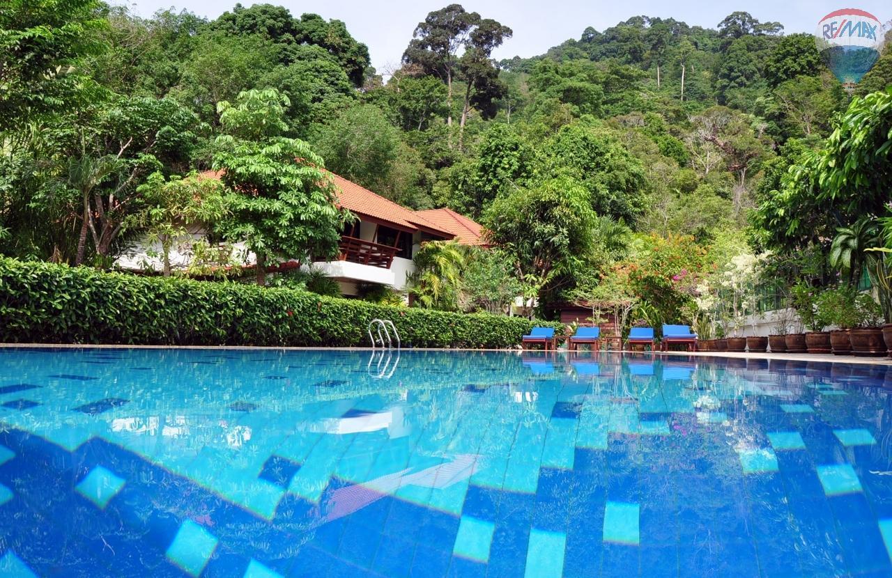 RE/MAX Top Properties Agency's Eden_Villas 2 bed rent 27