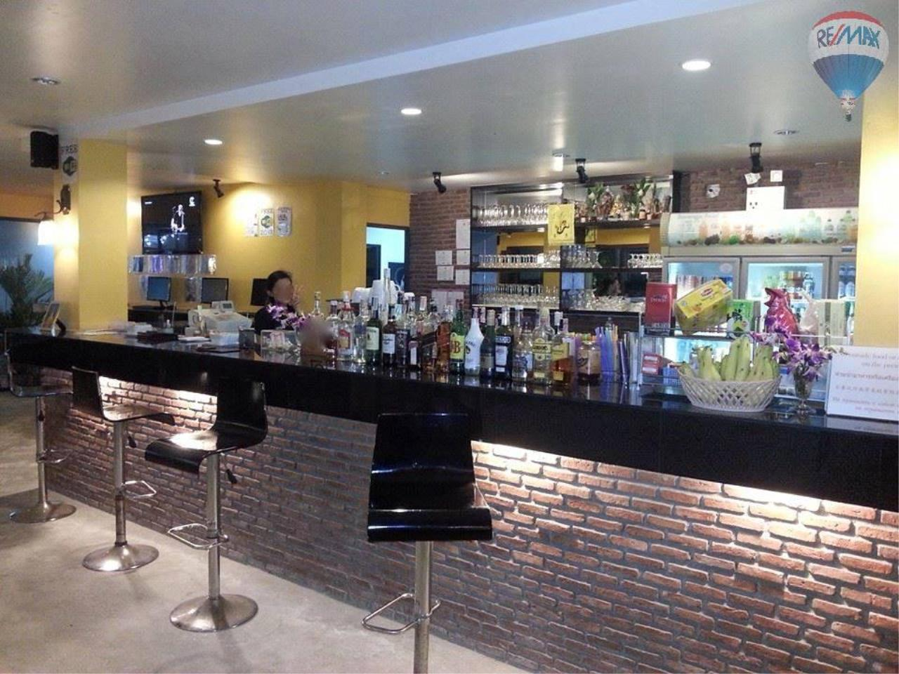 RE/MAX Top Properties Agency's 80 seats Restaurant for sale in a busy road of Patong 4