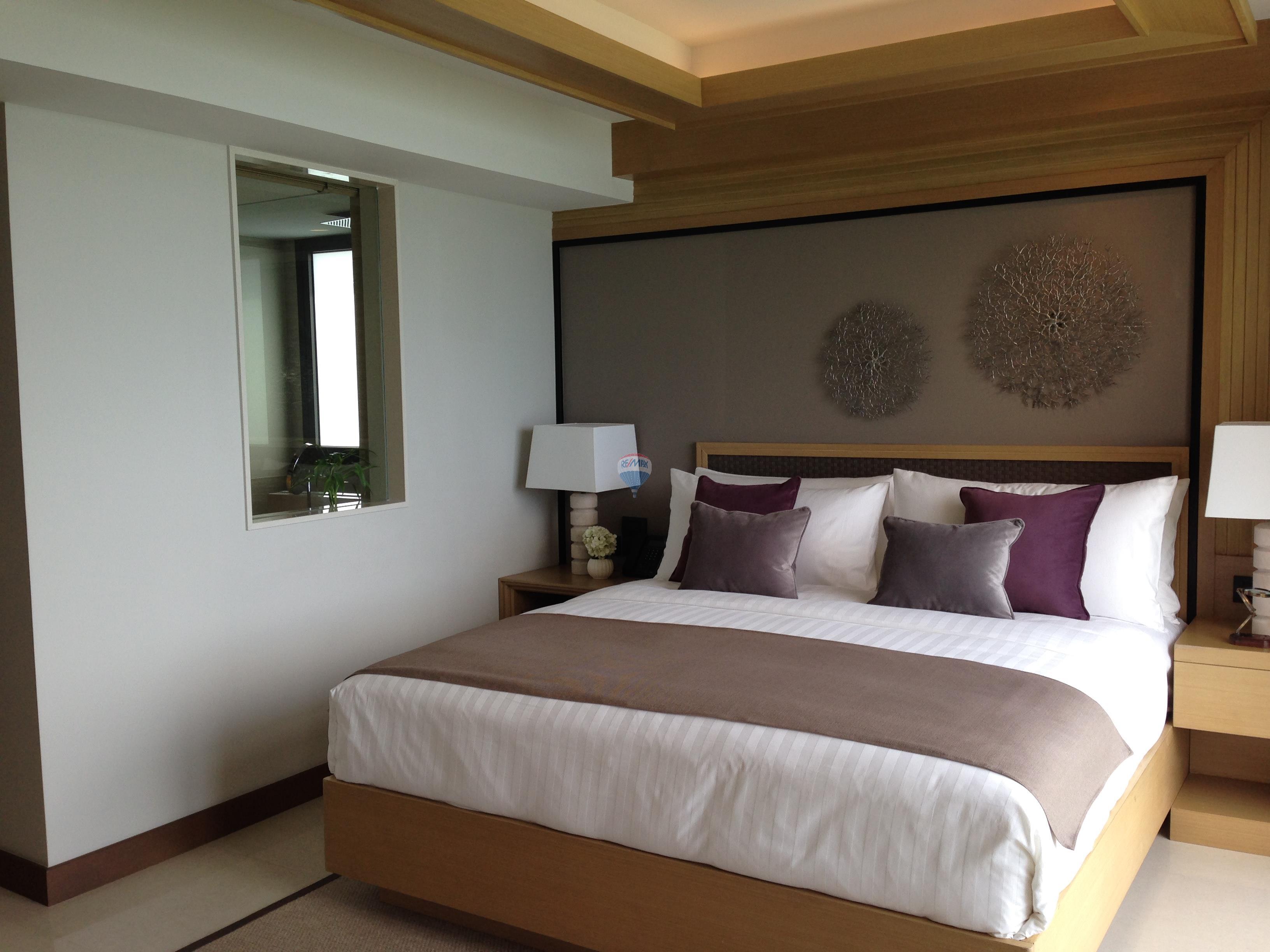 RE/MAX Top Properties Agency's Luxury 1 Bedroom Apartment overlooking Patong Bay 11