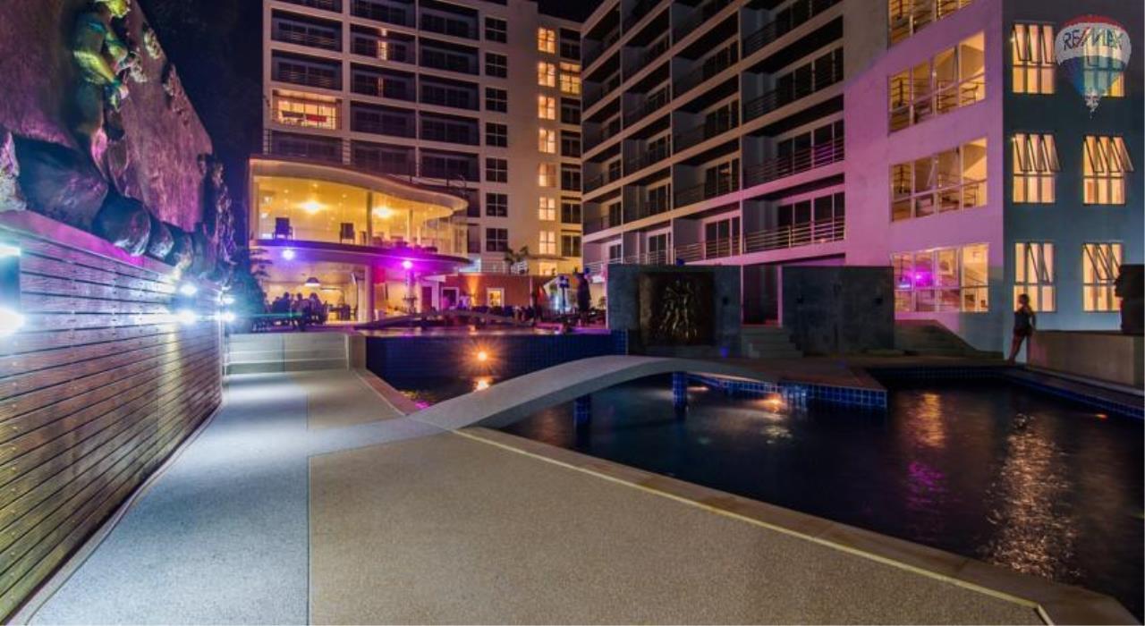 RE/MAX Top Properties Agency's Luxury Studio Ocean View for rent 3