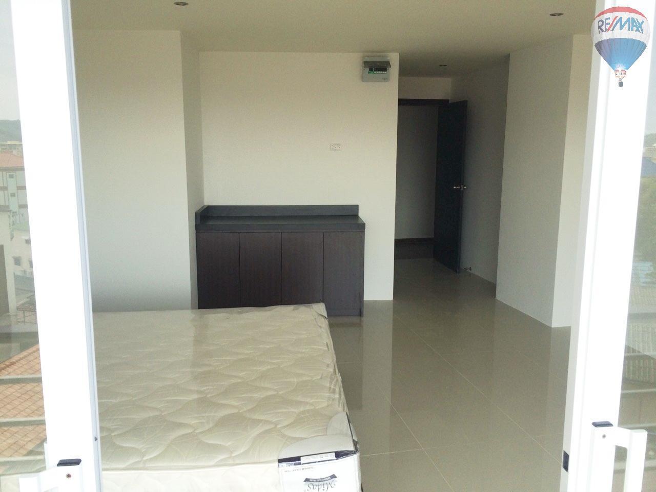 RE/MAX Top Properties Agency's Luxury Studio Ocean View for rent 29