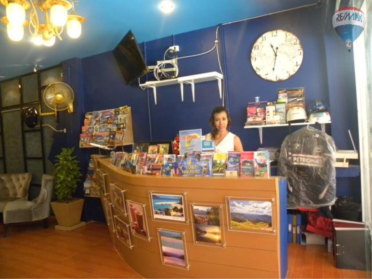 RE/MAX Top Properties Agency's Coffee shop for sale at Patong 4